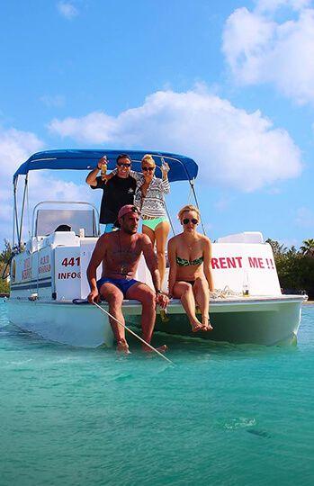 23′ Standard Pontoon Boat Rental